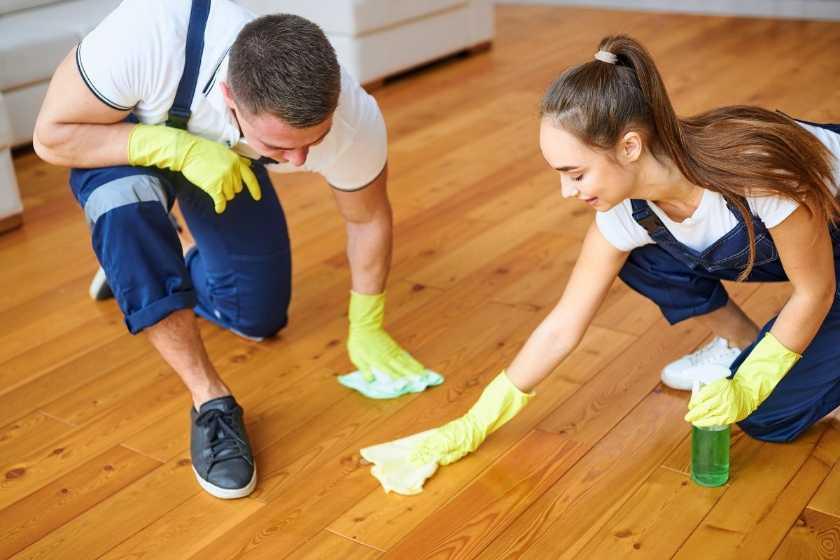 Commercial Showroom Hardwood Floor Polishing